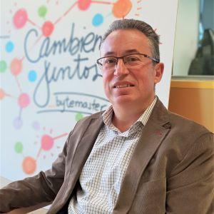 Javier Alvarez, responsable comercial _b first